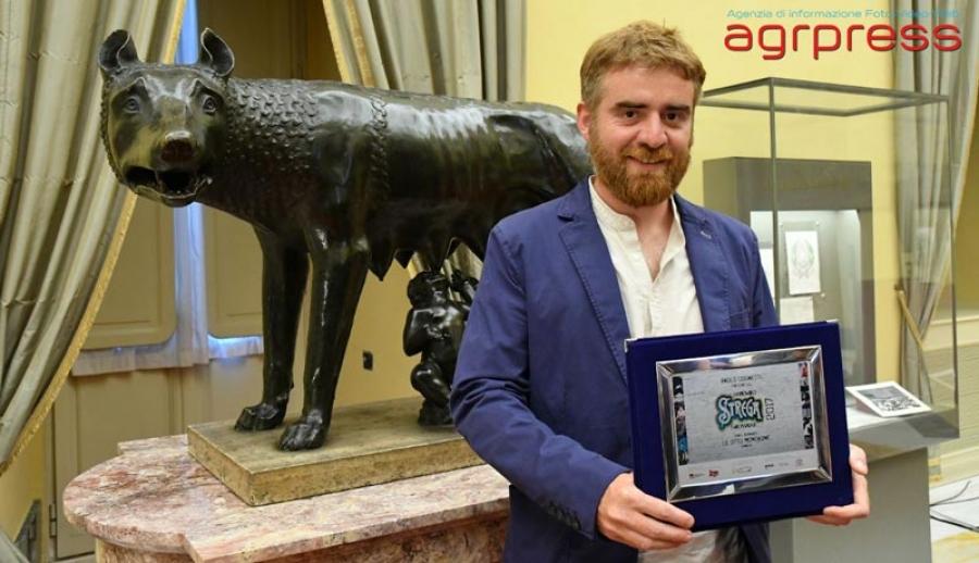 ROMA - È Paolo Cognetti con Le otto montagnè (Einaudi) il vincitore della