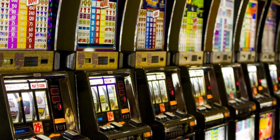 N. 3167 del 23-05-2017 - Gioco d'azzardo: taglio slot in