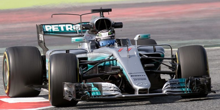 Gp Austria, Bottas in pole davanti a Vettel. Hamilton 8°